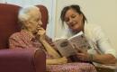 Bei Demenz wollen Versicherer oft nicht zahlen