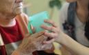 Welche Pflege-Bahr-Angebote überzeugen