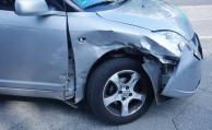 Unfallverursacher verlässt Unfallstelle – Versicherung muss trotzdem zahlen