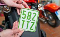 Neue Schildervorschriften für Mofas und Mopeds