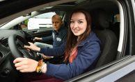 Begleitetes Fahren drückt Versicherungsprämien