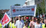 Versicherungsmitarbeiter streiken in Hannover
