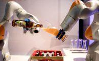 Deutsche können sich Zusammenarbeit mit Roboter-Kollegen vorstellen