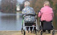 Frauen im Rentenalter sorgen sich ums Geld