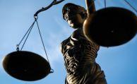 Richter kassieren undurchsichtige Klauseln in Riester-Fondspolicen