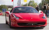 Versicherung muss nicht für erfundene Ferrari-Probefahrt zahlen