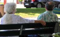 Menschen beziehen immer länger Rente