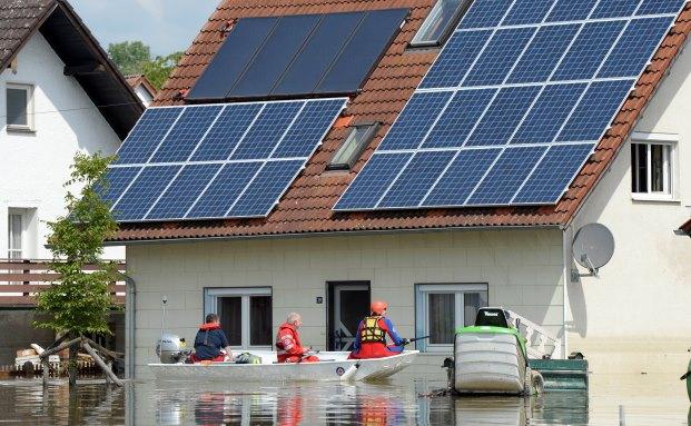 richtige absicherung von photovoltaik anlagen das eigene haus als energiekraftwerk. Black Bedroom Furniture Sets. Home Design Ideas