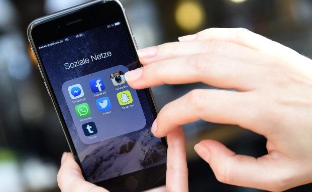 versicherungen im social web bewegte bildchen und messenger apps erreichen die kunden. Black Bedroom Furniture Sets. Home Design Ideas