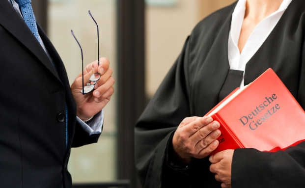 Zu Haftstrafe verurteilt: Finanzberater betrügt Kunden um 160.000 Euro