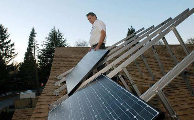 Zwei Anbieter erfüllten alle Kriterien: Finanztest untersucht Photovoltaikversicherungen