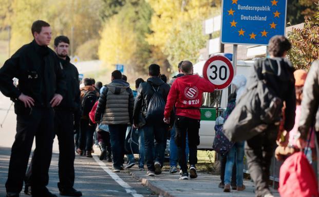 Wie Deutschland seine Flüchtlinge versichert