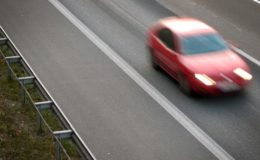 Autofahrer verursacht Unfall, um Leben zu retten