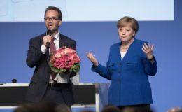 Merkel hält Deutschlandrente für interessantes Produkt