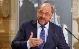 Schulz kritisiert Merkels Rentenpolitik