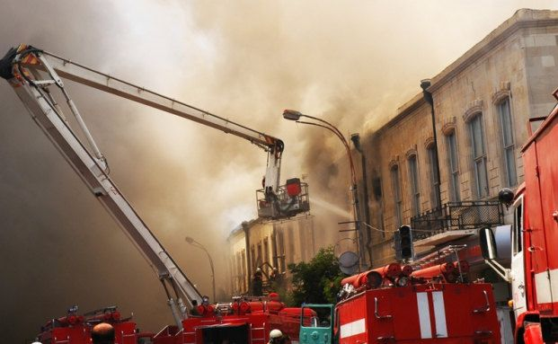 Kunden und Vermittler bei Feuer- und Leitungswasserschäden professionell unterstützen