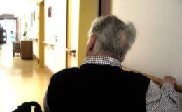 Jeder sechste Pflegebedürftige muss zum Sozialamt