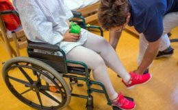 Pfleger haben doppeltes Berufsunfähigkeitsrisiko