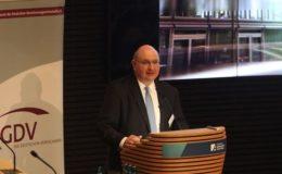 Eiopa-Chef stellt Versicherern weniger Bürokratie in Aussicht