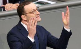 Bundestag stimmt für mehr Pflegepersonal