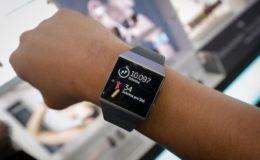 Deutsche fremdeln mit digitaler Gesundheitsakte auf dem Handy