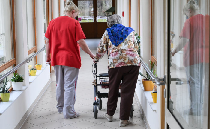 Ersatzkassen drängen auf Pflegereform