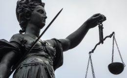 Bei einem Streitwert ab 1.840 Euro ziehen Deutsche vors Gericht