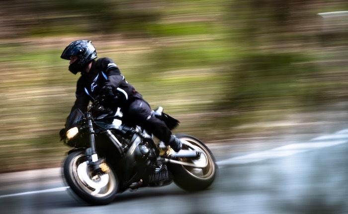 Wie Biker dank Motordrosselung Prämien sparen