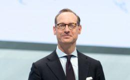 Kräftige Verdiensteinbußen für Allianz-Chef