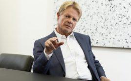DGB-Chef will Beamte in Bürgerversicherung holen