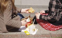 Mehrzahl der jungen Deutschen weiß nicht, wie gesunde Ernährung funktioniert