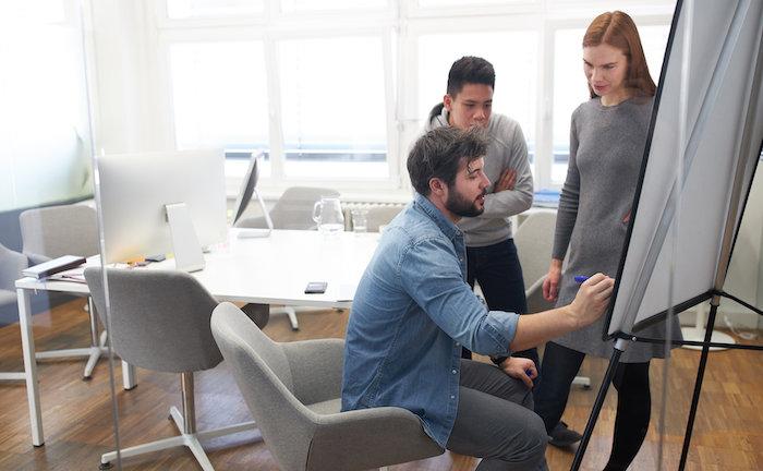 Womit mittelständische Unternehmen neue Mitarbeiter werben