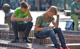 Jüngere nehmen es mit dem Datenschutz nicht so genau