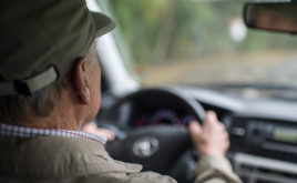 Höhere Beiträge für ältere Autofahrer sind gesetzeskonform
