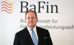 Finanzausschuss-Vorsitzende fordert Rücktritt von Bafin-Chef