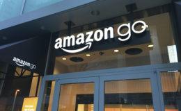 Junge legen Amazon-Standards bei Altersvorsorge-Beratung an