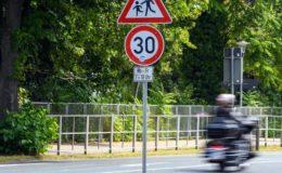 Hälfte der Deutschen wünscht sich Tempolimit auf Autobahnen