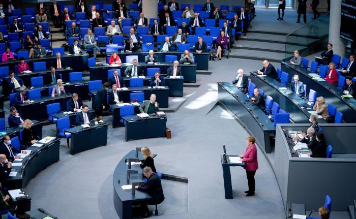 Bundestag winkt umstrittenes Gesetz durch und erntet Kritik