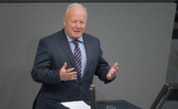 """""""Bundesministerien dürfen nicht länger auf der Bremse stehen"""""""
