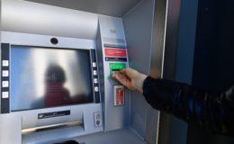 Jeder zweite Deutsche weiß nicht, ob seine Bank Negativzinsen erhebt