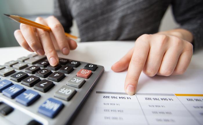 Haushalte geben im Schnitt 1.500 Euro für Versicherungen aus