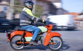 Mofa- und Mopedfahrer brauchen blaues Kennzeichen