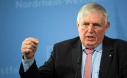 CDU-Sozialpolitiker Laumann schimpft über Versicherer