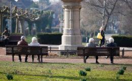 Deutsche vertrauen der gesetzlichen Rente immer weniger