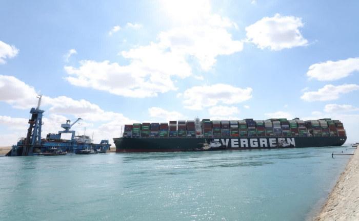 Suezkanal-Blockade wird für Versicherer teuer