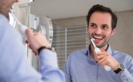 Regelversorgung beim Zahnarzt – spartanischer geht's nicht