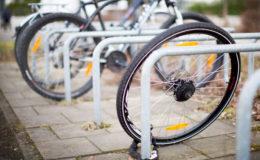 E-Bike und Co. mit Hausrat- oder Fahrradpolice absichern?