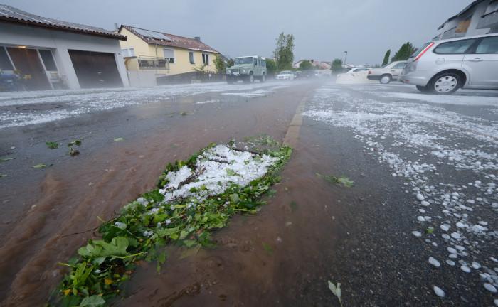 Unwetterbilanz der Kfz-Versicherer – eher ein laues Lüftchen