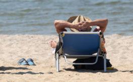 Wegen Corona – Deutsche sollen mehr arbeiten und weniger Urlaub machen