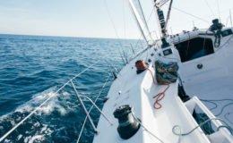 Ahoi! Diese Versicherungen brauchen Wassersportler für Segel- und Motorboote